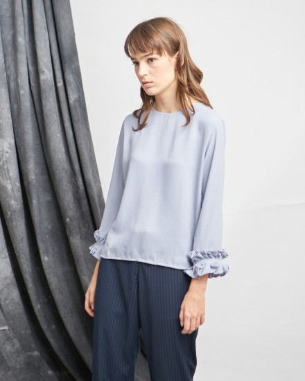 kelly top grey