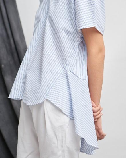 loura top blue stripes