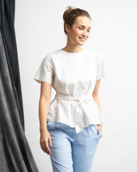 aleica top white