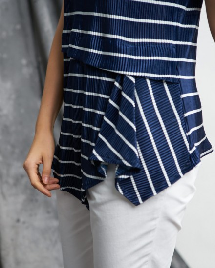 berla pleats navy