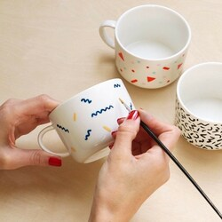 Here is what you can do with your plain mug and make it truly yours