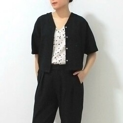 Vanka top/outer now available in black 199,000z Here paired with Leonard Pants black 249,000